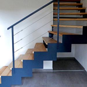 Escalier à Crémaillère Avec Mélange Bois Métal à Bogève